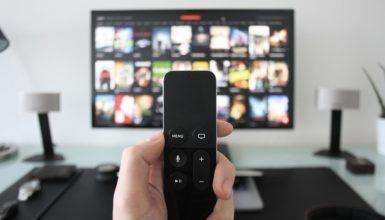 Cosa fanno stasera in televisione? I programmi del 27 marzo 2020