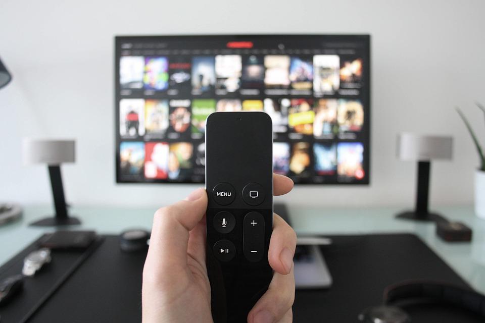 Photo of Cosa fanno stasera in televisione? I programmi del 6 giugno 2020