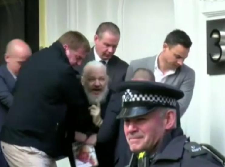 Julian-Assange-arrestato