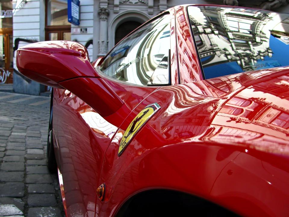 Photo of Bari, ragazzino arriva in chiesa con la Ferrari: è polemica