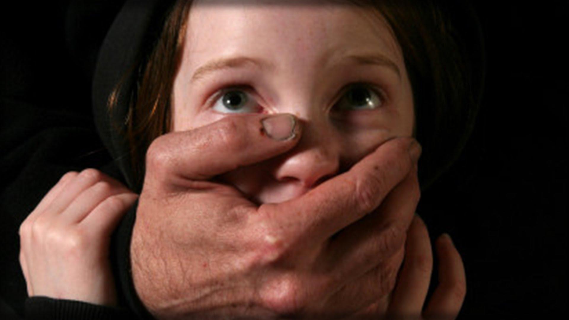 Photo of Francia, pedofilo sorpreso con una bambina in auto: l'intervento della Polizia