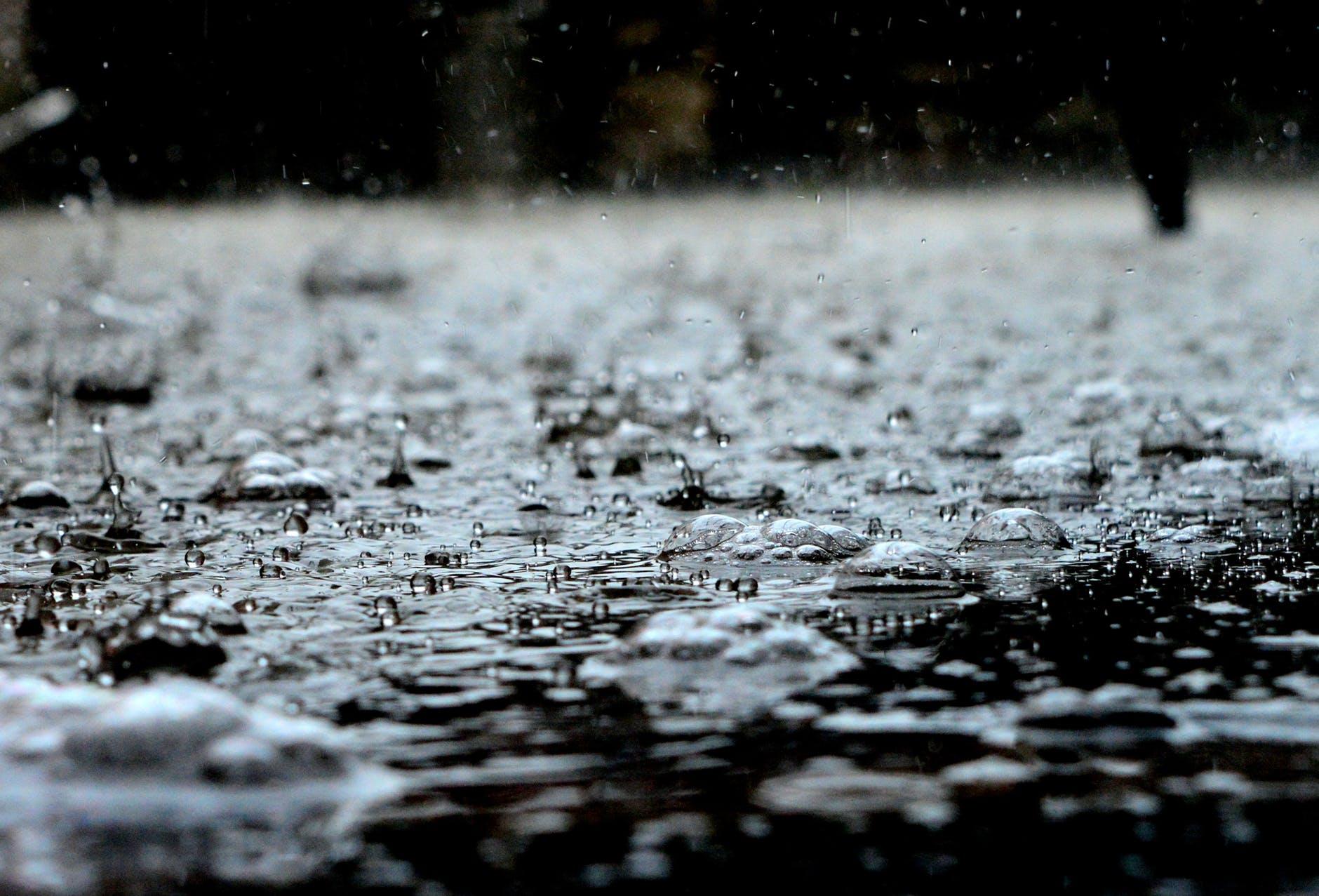 Photo of Maltempo, calano le temperature per il 25 aprile: in arrivo pioggia e neve