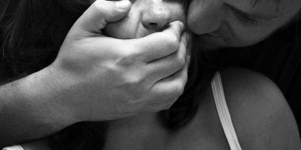 Photo of Sequestrata e violentata per ore dall'ex: arrestato 52enne