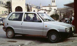 Fiat_Uno_2_p_S_Chiara