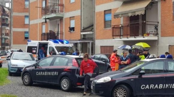 Photo of Bergamo, bambina di 9 anni precipita dalla finestra del quarto piano e muore sul colpo