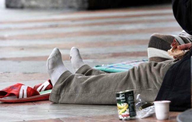 Milano, rientrano a casa dopo volontariato con i senzatetto: multati