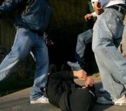 milano-aggressione-gay-picchiato-dieci-persone