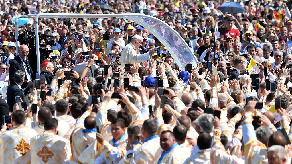 Photo of Papa Francesco favorevole al divorzio per il bene dei figli