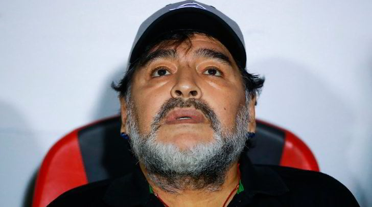 Photo of Maradona in isolamento: positivo al covid un assistente