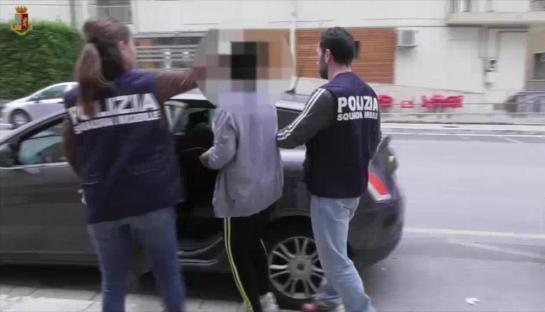 """Photo of Ragusa, mamma fa prostituire la figlia 13enne: """"Tutti sapevano ma nessuno ha detto niente"""""""