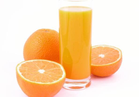 succo-arancia-fa-bene-calcoli-renali