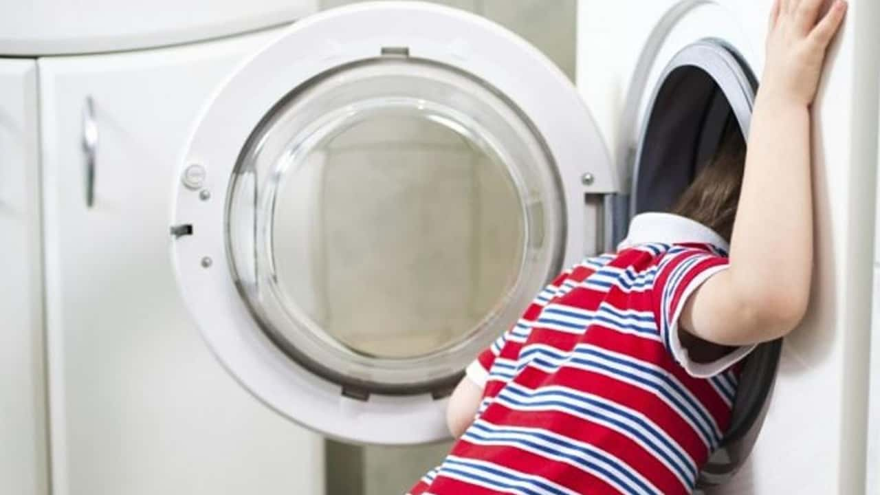 bambino-chiude-lavatrice-morto-soffocato