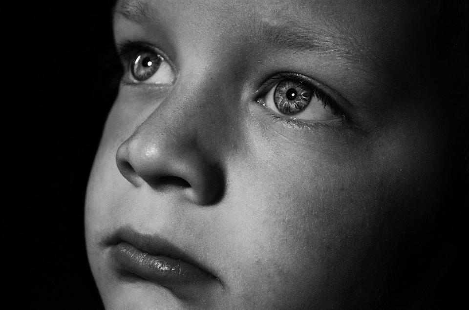 abusi-bambino-direttta-facebook