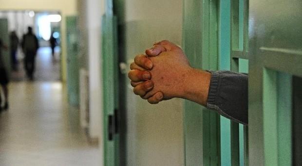Photo of Foggia, detenuto telefona ai carabinieri per lamentarsi della scarse cure mediche