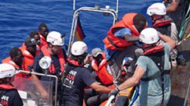 Photo of Trasportavano migranti in Italia, 13 arresti tra Salento e Grecia