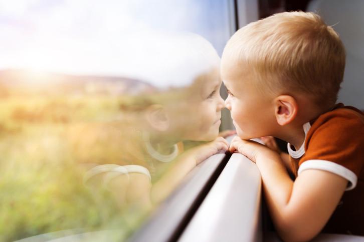 pinerolo-coppia-dimentica-bimbo-treno