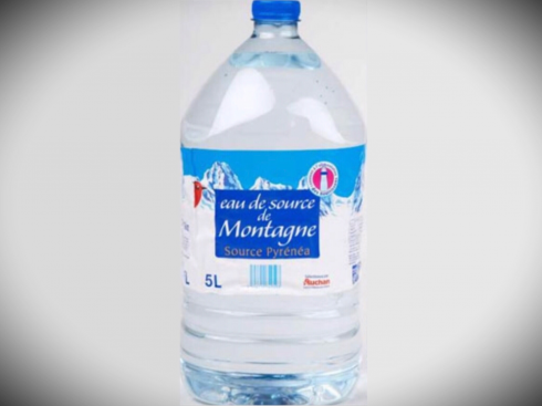Detersivo-acqua-minerale-auchan-francia