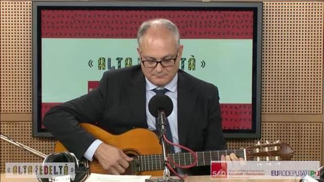 Photo of Governo Conte Bis, chi è il ministro Roberto Gualtieri