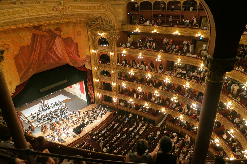 teatro-san-carlo-annullata-traviata