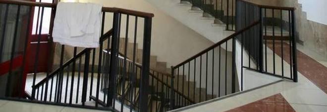 Photo of Milano, morto il bimbo precipitato nella tromba delle scale a scuola