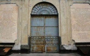 Cimitero-delle-366-Fosse-Napoli