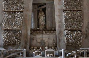 Cimitero-delle-Fontanelle-3