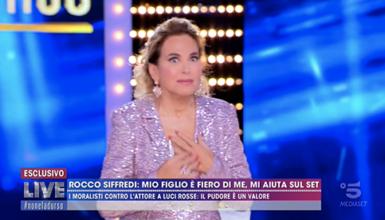 """Gossip, Rocco Siffredi shock: """"Rapporto orale con una vecchietta al funerale di mia madre"""""""