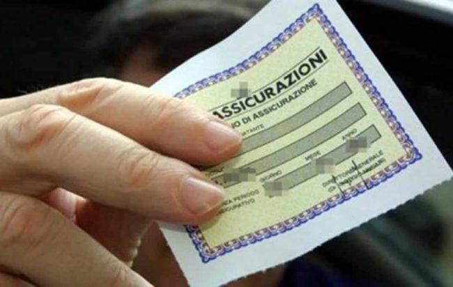 Assicurazioni, entra in vigore la Rc auto familiare con il 'malus'