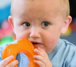 zuccheri-alcol-prodotti-dentizione-bambini