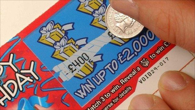 vince-lotteria-pagare-chemioterapia-ronnie-foster