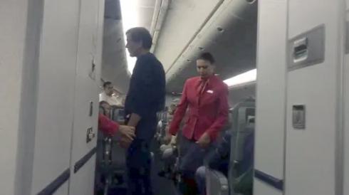 Photo of Paura sul volo Mosca-Phuket: uomo ubriaco tenta di aprire il portellone ad alta quota