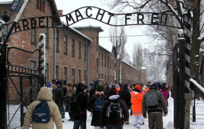 predappio-nega-fondi-visita-Auschwitz-treno-memoria