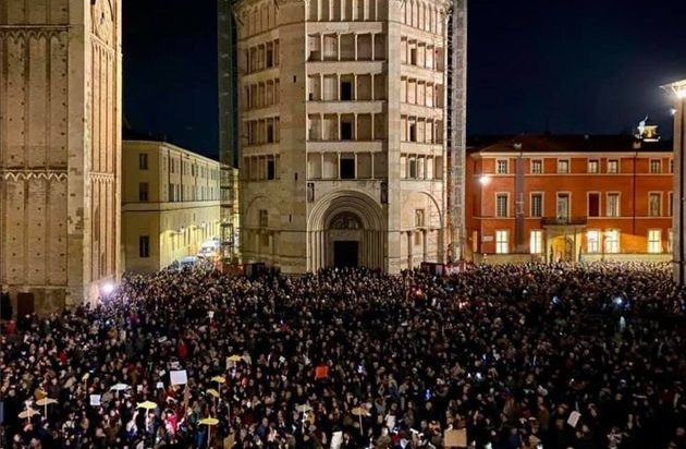 Sardine-parma-25-novembre-piazza-duomo