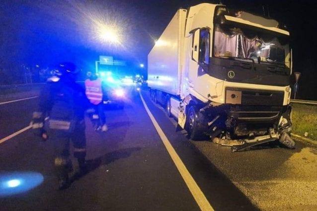 Photo of Villa al Serio, incidente tra auto e camion carico di pecore: sei feriti, gravi due fratellini