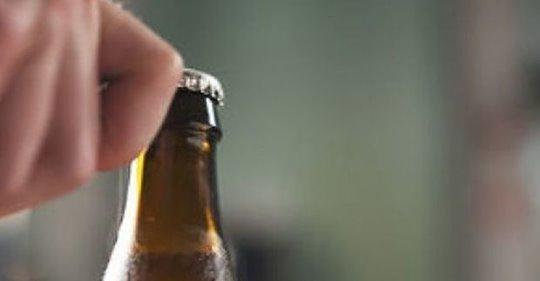 bottiglia-retto-ospedale-uomo-60-anni-prurito