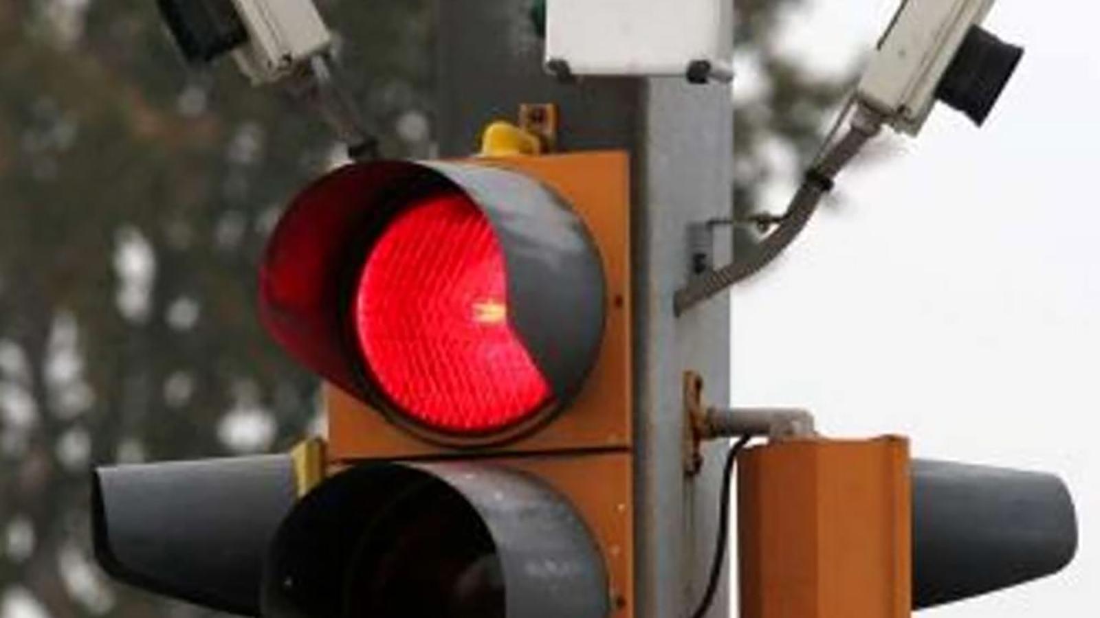 t-red-torino-multe-semaforo-rosso