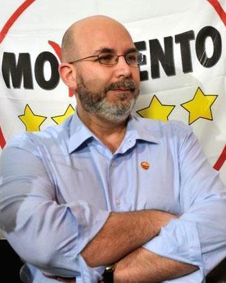 Photo of Chi è Vito Crimi, il nuovo capo politico del Movimento 5 Stelle?