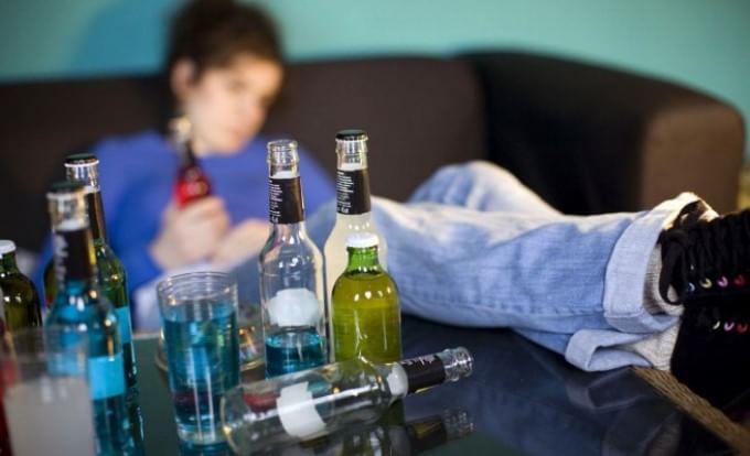 Photo of Fiumi di alcol a Capodanno. In coma etilico a 12 anni, ha rischiato di morire soffocata dal vomito