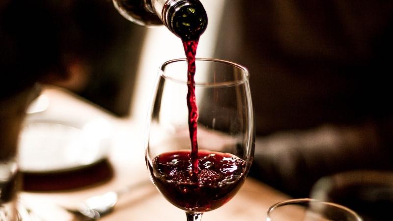 """Photo of Coronavirus, via libera alla sperimentazione della """"Cura del vino"""""""