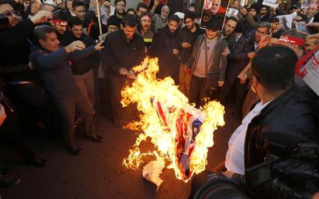iran-proteste-ambasciata