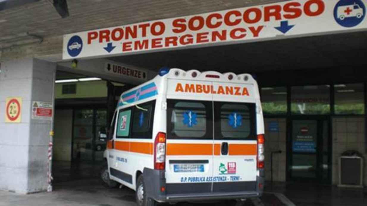 Photo of Studente rischia di morire a scuola, salvato grazie al defibrillatore