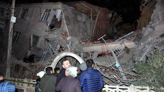 Photo of Terremoto in Turchia, fortissima scossa di magnitudo 6.8