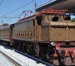 treno storico napoli paestum