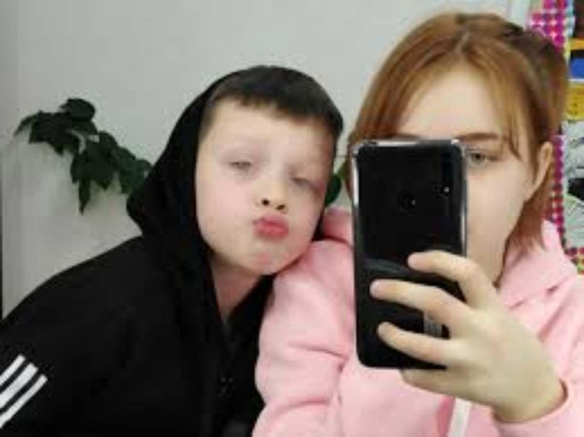 """Photo of 14enne incinta confessa in tv: """"Il padre ha 10 anni"""". Ma per la polizia è stato un 15enne"""