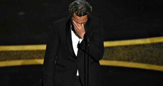"""Photo of Oscar 2020, il commovente discorso di Joaquin Phoenix: """"Ho fatto cose orribili, grazie per questa seconda possibilità"""""""