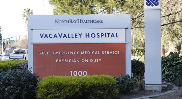 Negli Stati Uniti, morto un 17enne per coronavirus: è stato respinto dal pronto soccorso perché non aveva l'assicurazione medica. Il ragazzo di 17 anni morto in California per coronavirus era stato rifiutato dall'ospedale perché non aveva l'assicurazione sanitaria.