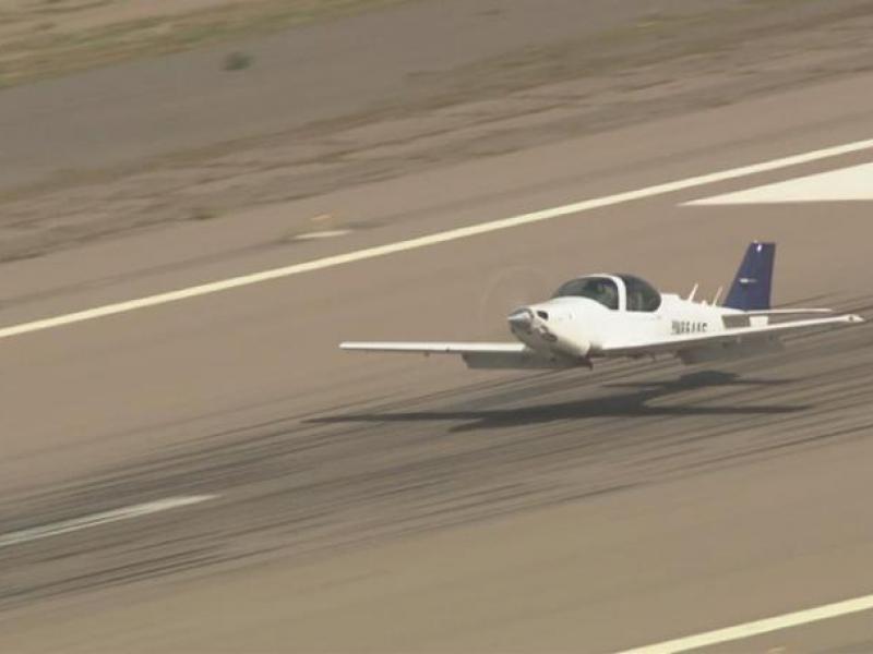 arizona-aeroplano-atterra-senza-carrello
