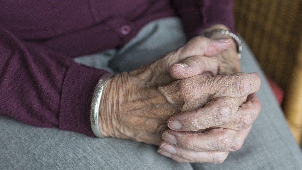 Photo of Coronavirus, a 101 anni batte l'infezione e viene dimesso