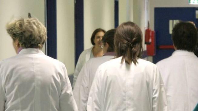 medici-coronavirus-roma-festa-specializzanda