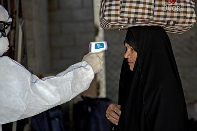 Photo of Coronavirus e alcol come 'cura': la bufala che uccide in Iran